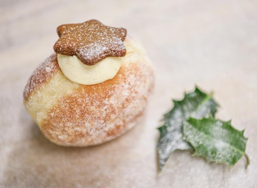 BreadAhead_Christmas Pudding doughnut (003)